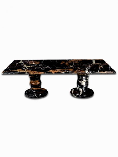 BlacknGold_table
